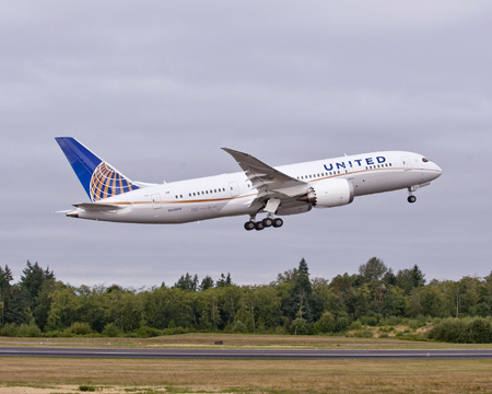United's first Boeing 787 Dreamliner, taking off from Paine Field in Everett, Washington