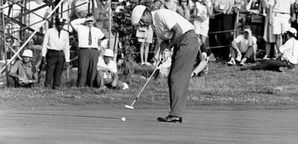 Ken Venturi making his final putt to win the 1964 US Open