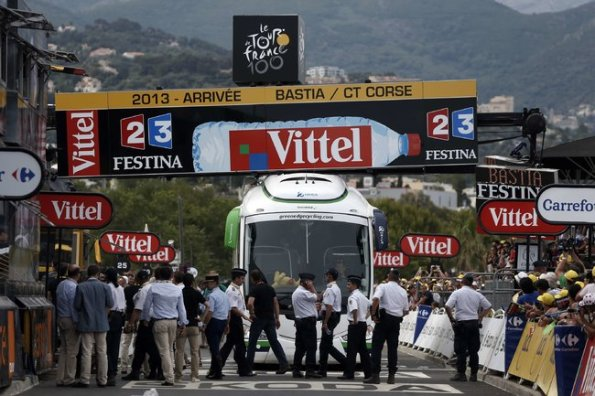 The Orica GreenEdge team bus became stuck at the finish line with riders ten kilometers from downtown Bastia.